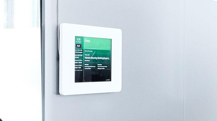 askcody-share-information-with-meeting-room-displays.jpg