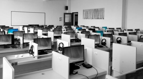 cubicle-office-space-meeting-room-design.jpg